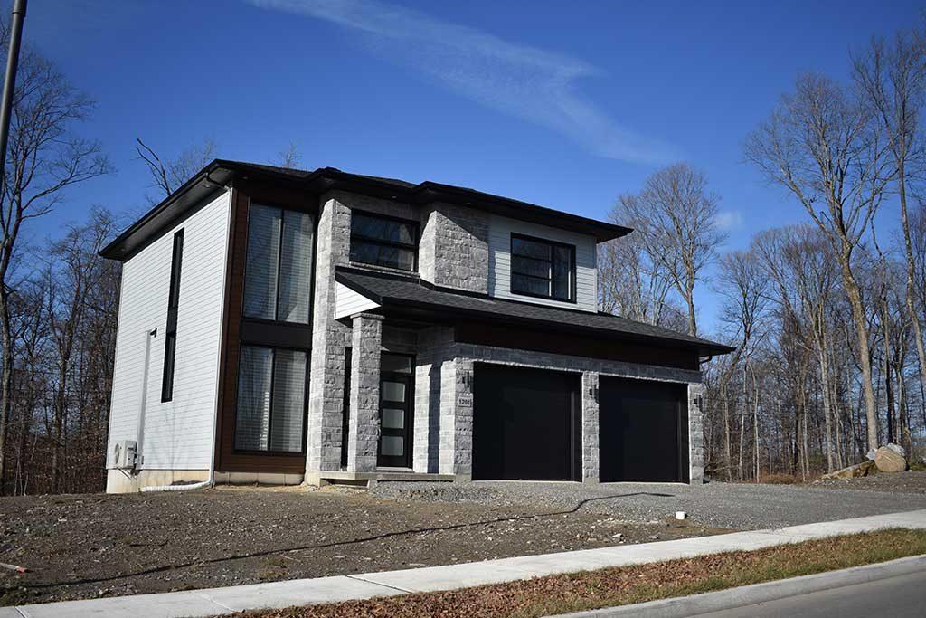Maison grise 2 garages (3)